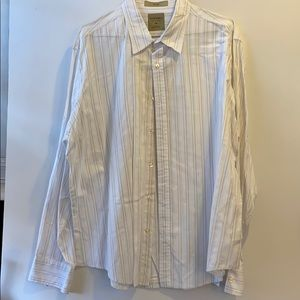 Men's Sonoma cream w/ pin stripe button down shirt